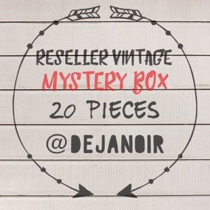 Reseller Vintage Mystery Box - a big one 😄